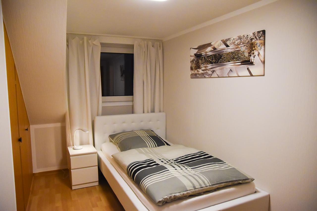 Einzelzimmer - Single Room